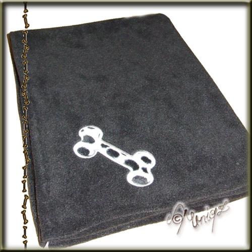 Decke mit Knochenmotiv im Dalmatinermuster, Kunstfell