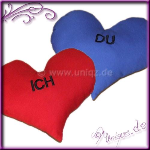 Ich und Du zwei Herzkissen mit Stickerei nach Wunsch