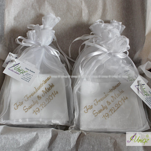 Hochzeit,  Taschentücher für Freudentränen