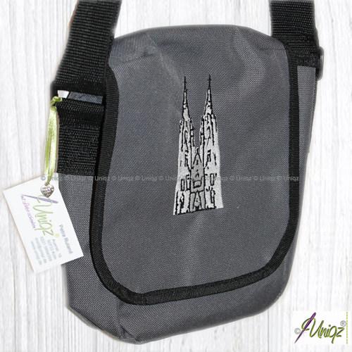 Umhängetasche mit gesticktem Köln Dom, grau/schwarz