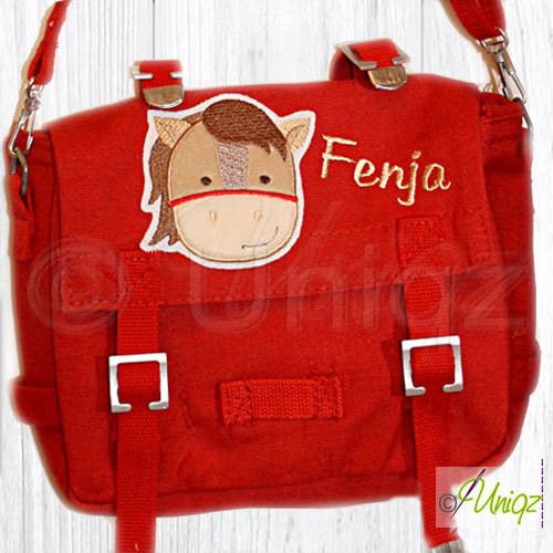 Kindertasche mit weicher Pferdeapplikation und Namen bestickt.