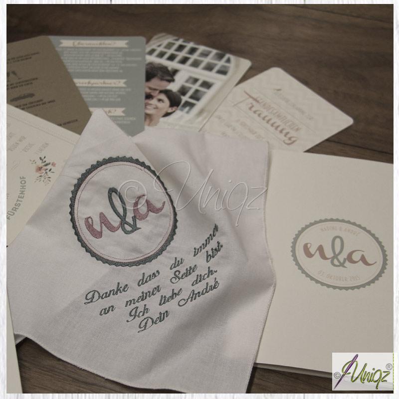 Besticktes Taschentuch passend zur Hochzeitspapeterie