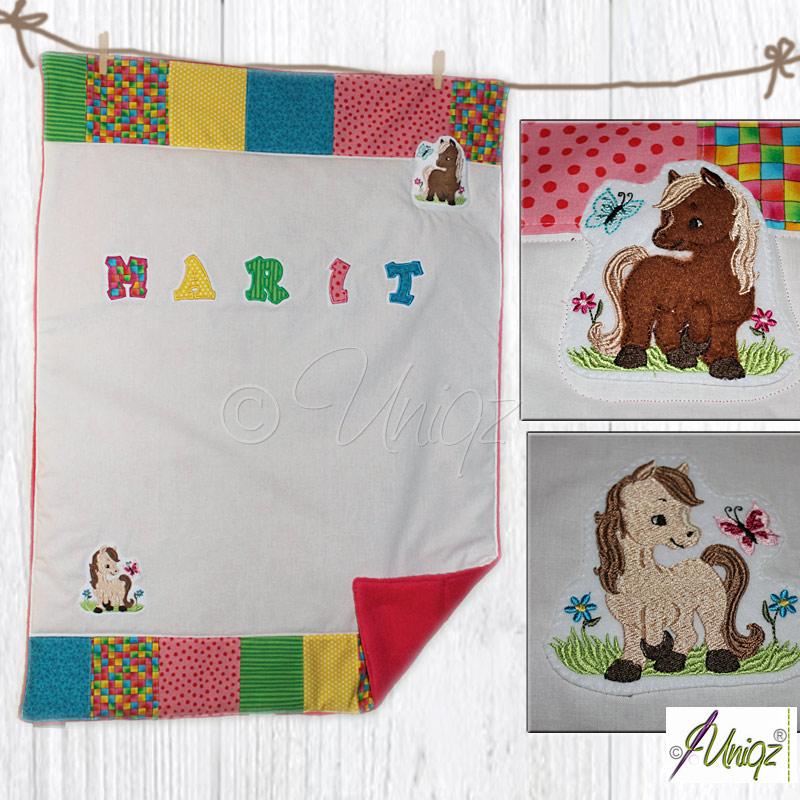 Babydecke mit Namen und Pferdchen