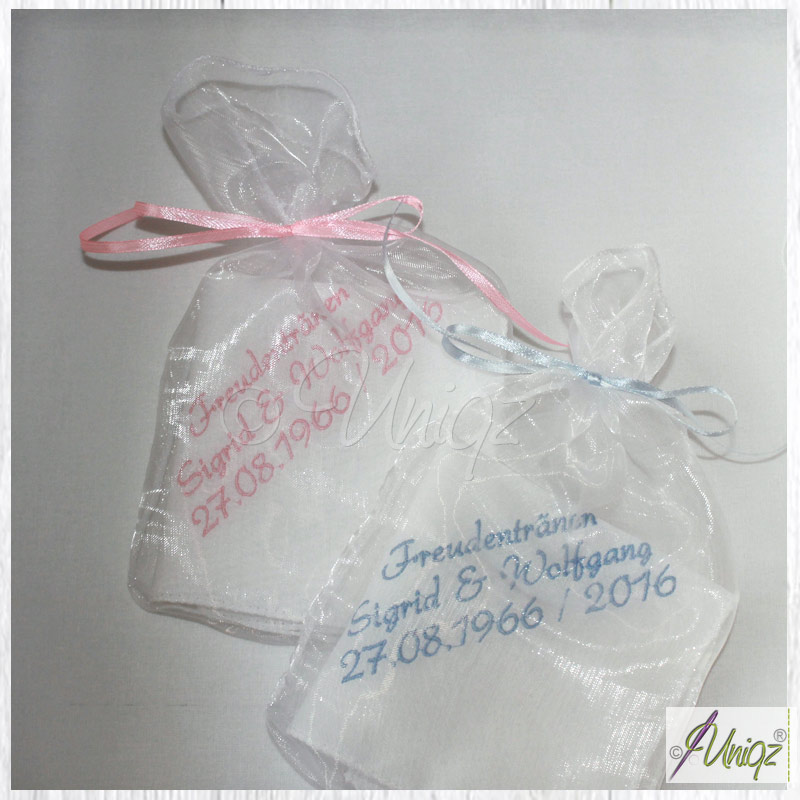 Bestickte Taschentücher zur goldenen Hochzeit