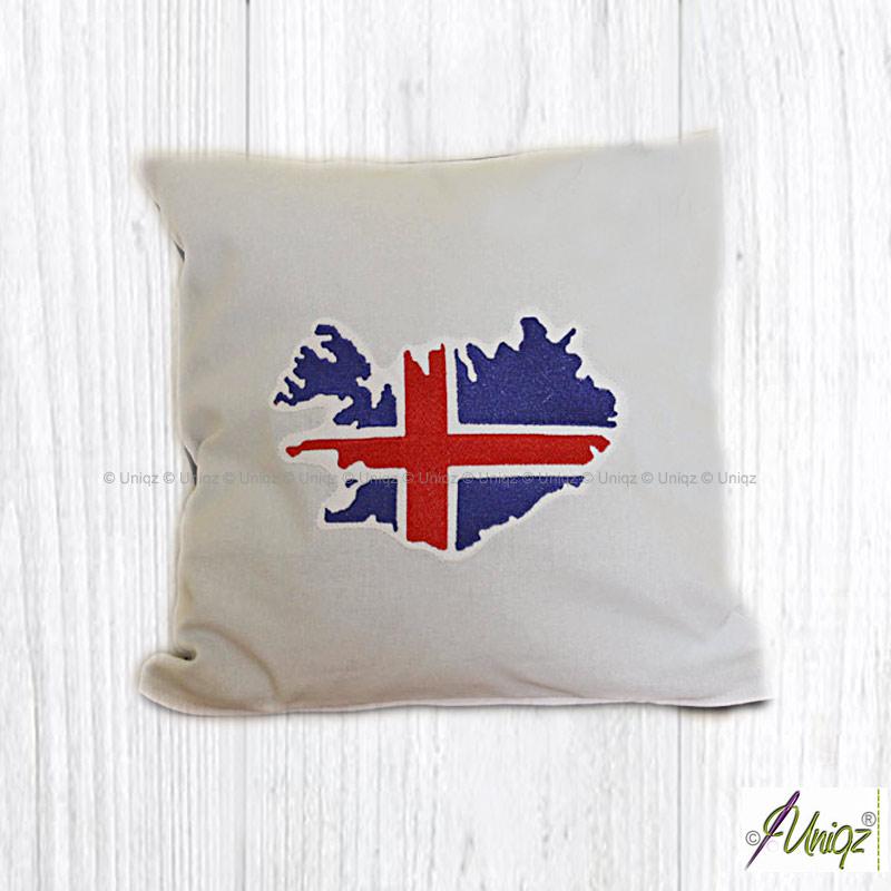 Kissen, bestickt mit der isländischen Flagge in Herzform