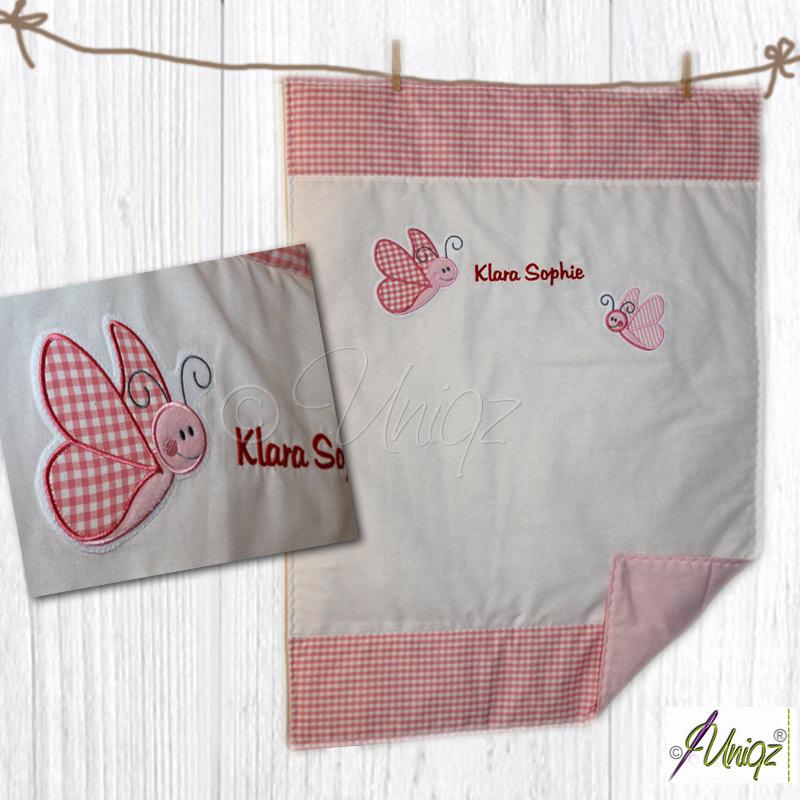 Babydecke mit Namen und Schmetterlingen