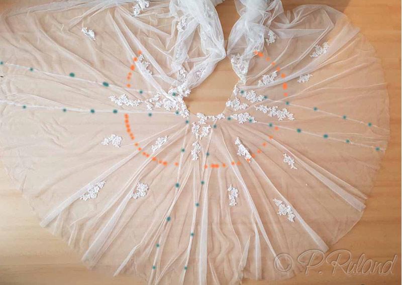 Brautttüll mit Schnittmarkierungen