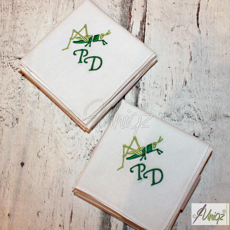 Taschentücher mit Monogramm und Heuschrecke