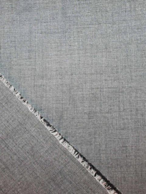 Gabardine grau meliert, ca. 150 x 140 cm   10 €