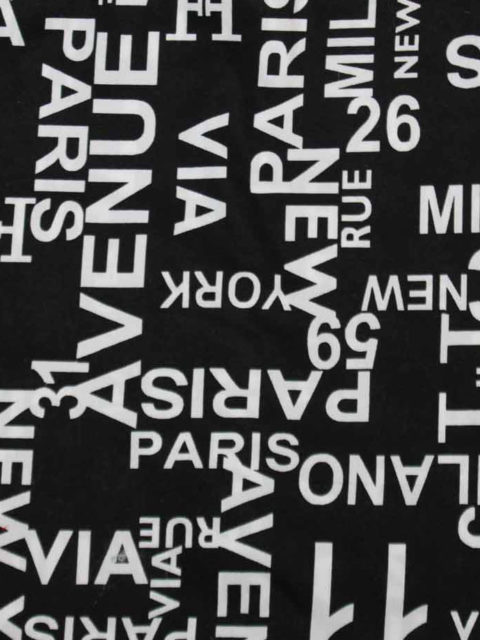 Bw.-Mix, Buchstabendruck schwarz/weiß, ca. 150 x 140 cm   5 €