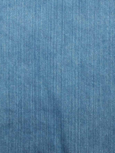 Bw.-Jeans, blau, ca. 160 x 150 cm Lichtschaden! ca. 100 cm über die ganze Breite einwandfrei, Rest auch zu gebrauchen | 5 €