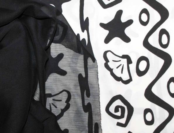 Webware Viscosemix, schwarz/weiß, ca. 190 x 140 cm + schwarzer Crinkle-Chiffon ca. 50 x 140 cm für Lagenlook | zusammen 8 €