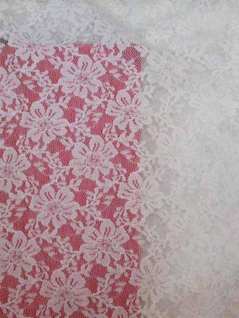 Elastische PL.-Spitze, weiß, ca. 120 x 140 cm   4 €