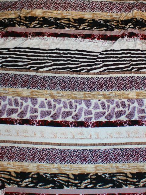 Viscose Jersey animalprint, flieder-beere-caramel-weiß, ca. 150 x 160cm   5 €