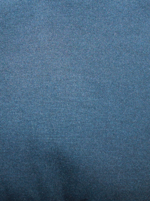 Leichter Viscose-Romanit, dunkelblau (dunkler als abgebildet), ca. 80 x 150 cm   4,- €