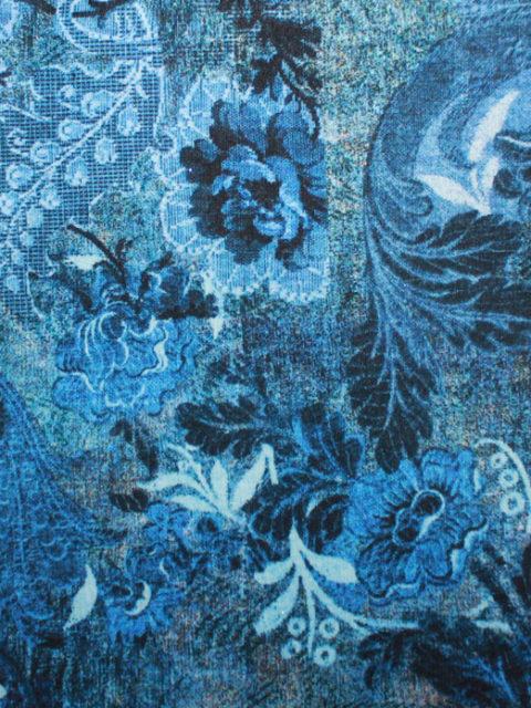 Viscose-Romanit in Blautönen, ca. 65 x 140 cm + Anschnitt   4 €