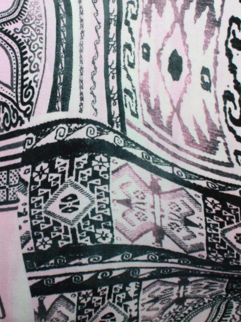 Viscose Jersey, rosa-weiß-schwarz, ca. 100 x 100 cm + Anschnitt   3,- €